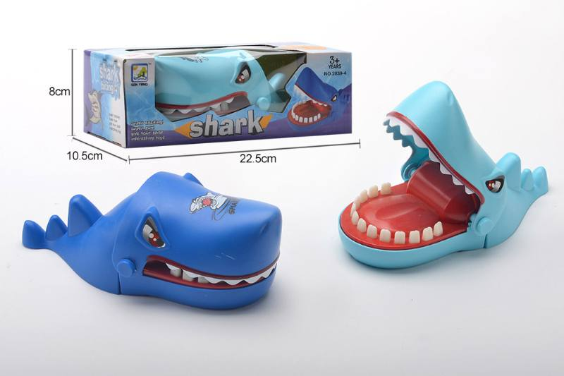 Biting finger shark No.TA260683