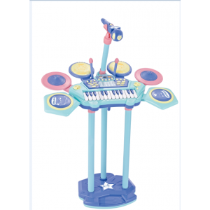 The keyboard and drum combination set